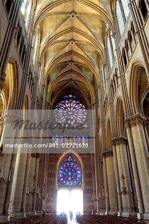 Rosace de vitraux de la nef, la cathédrale Notre-Dame, patrimoine mondial de l'UNESCO, Reims, Marne, Champagne Ardenne, France, Europe