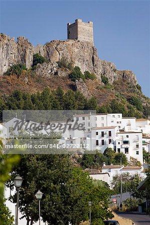 Zahara de la Sierra, l'un des villages blancs, province de Cadix, Andalousie, Espagne, Europe