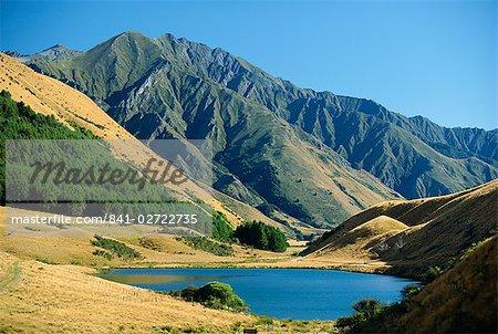 Moke Lake près de Queenstown dans une zone panoramique à ouest Otago, île du Sud, Nouvelle-Zélande, Pacifique