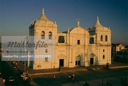 Die Kathedrale, die 100 Jahre von 1746 bauen und wo ist der Dichter Dario beigesetzt, am Parque Jerez in der zweiten Stadt und ehemalige Hauptstadt, Leon, Nicaragua, Zentralamerika