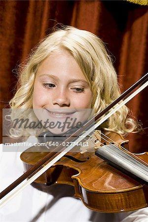 Violon jouant fille