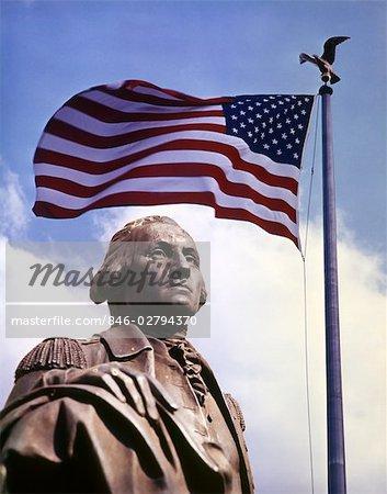 DES ANNÉES 1960 STATUE PRÉSIDENT GEORGE WASHINGTON ET AMERICAN FLAG PATRIOTIQUE MONTAGE