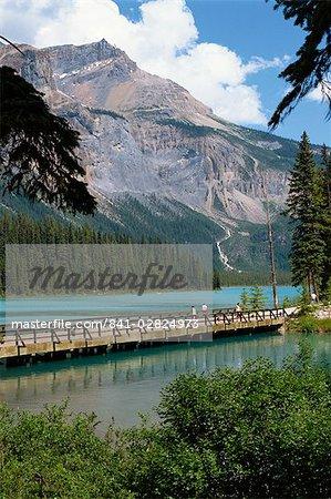Emerald Lake, Yoho National Park, UNESCO World Heritage Site, Rocky Mountains, British Columbia, Canada, North America