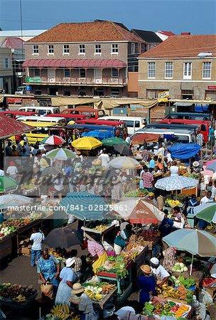 Samedi sur le marché, de Saint-Georges, Grenade, îles sous-le-vent, Antilles, Caraïbes, Amérique centrale
