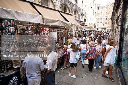 Souvenir shopping, Venise, Vénétie, Italie, Europe