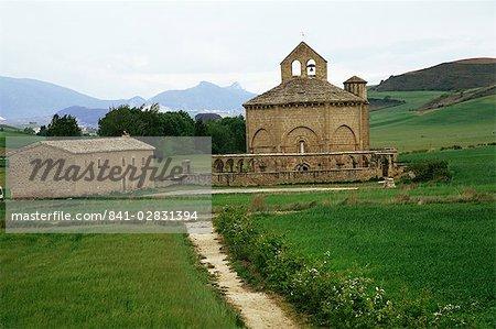 Église romane de Eunate, lieu de sépulture de pèlerins, datant du XIIe siècle, Camino de Santiago, Navarre, pays basque, Espagne, Europe