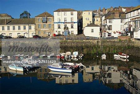 Réflexions de matin, Falmouth, Cornwall, Angleterre, Royaume-Uni, Europe