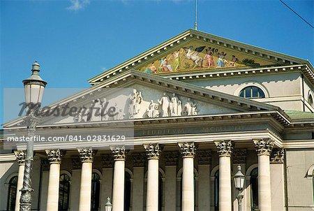 Façade du Théâtre National de Munich, Bavière, Allemagne, Europe