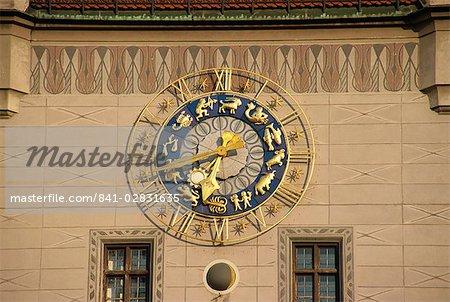 Horloge, tour de l'ancien hôtel de ville, Munich, Bavière, Allemagne, Europe