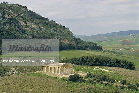 Temple Dorique de Ségeste datant de 430 av. J.-C., Ségeste, Sicile, Italie, Europe