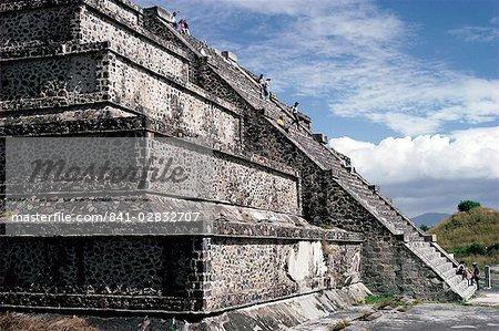 L'escalier principal de la pyramide de la lune, site archéologique, Teotihuacan, UNESCO World Heritage Site, Mexique, Amérique du Nord