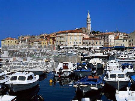 Blick auf Stadt, Hafen, Rovinj, Istrien Bezirk, Kroatien, Europa
