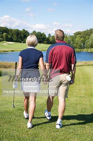 Couple golf