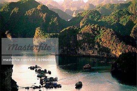 Vietnam, Halong Bay, Cat Ba Island, boats at ferry pier