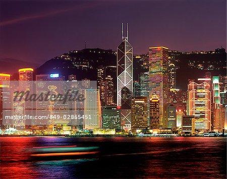 Chine, Hong Kong skyline, vue de face port, vue de nuit