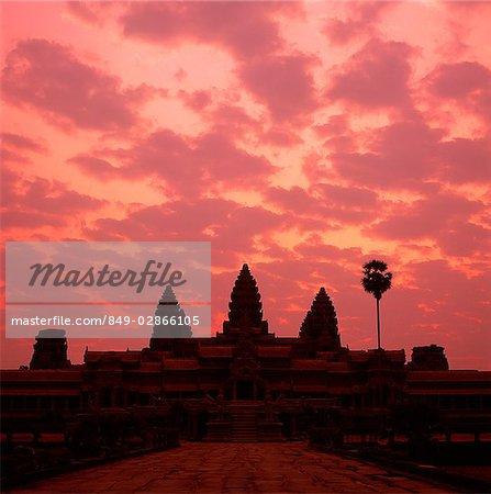 Cambodia, Angkor Wat at sunrise