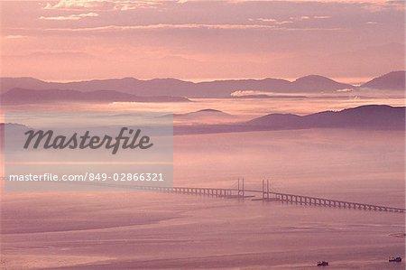 Malaysia, Penang, Bridge at dawn