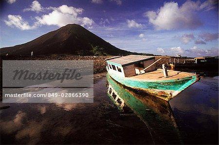 Indonesia, Spice Islands, Banda Naira fishing boat