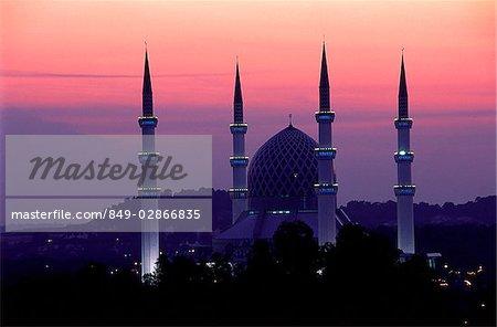 Malaysia, Shah Alam, Sultan Salahuddin Abdul Aziz Shah Mosque at sunset.