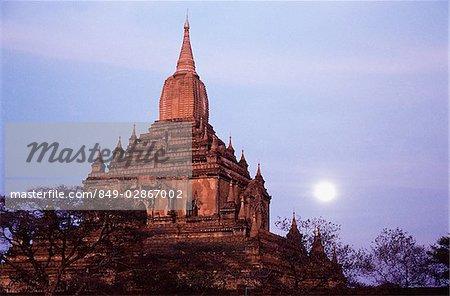 Myanmar (Burma), Temple in Bagan