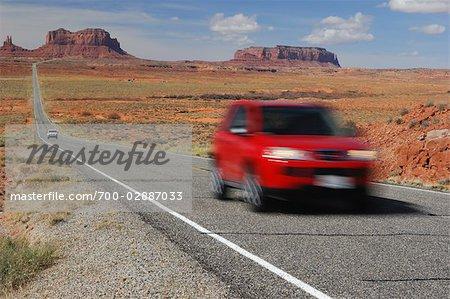 Route 163, Monument Valley, Navajo Tribal Park, Arizona, USA