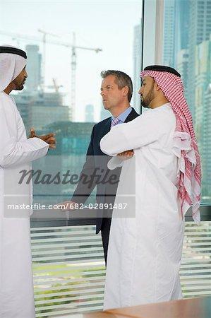 Treffe arabische Männer