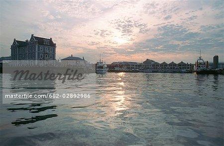 Victoria et Alfred Waterfront au crépuscule - Scenic