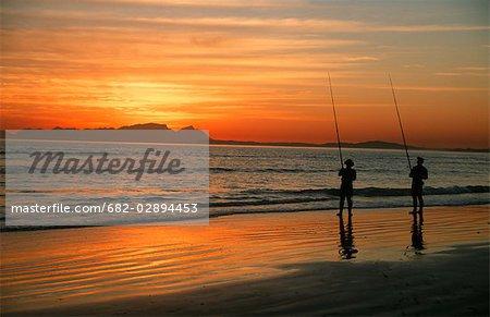 Deux pêcheurs à l'aube