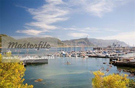 Vue sur le Club d'Yacht au waterfront Simons Town dans la Province du Cap occidental, Afrique du Sud