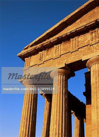 Temple de la Concorde, la vallée des Temples, Agrigento, Sicile, Italie, Europe