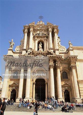 La façade Baroque de la cathédrale, Syracuse, Sicile, Italie, Europe