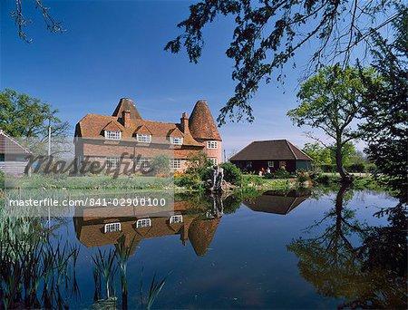 Converti oast house à Markbeech, Kent, Angleterre, Royaume-Uni, Europe
