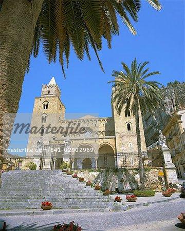 Plaza del Duomo (cathédrale), Cefalu, Sicile, Italie, Europe