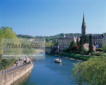 River Avon and the city of Bath, Avon, England, United Kingdom, Europe