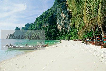 Ao ton Sai Bay, Phi-Phi Don Island, Krabi Province, Thailand, Asia