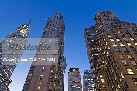 Le Chrysler Building et édifices à bureaux, Manhattan, New York, New York, USA
