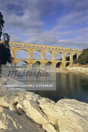 Pont du Gard, un aqueduc romain, patrimoine mondial UNESCO, près d'Avignon, en Provence, France, Europe