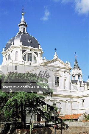 Cathédrale de la Almudena, commencé en 1880, Madrid, Espagne, Europe