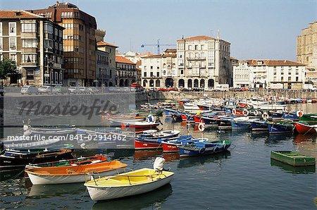 Port, Castro-Urdiales, Cantabrie, Espagne, Europe