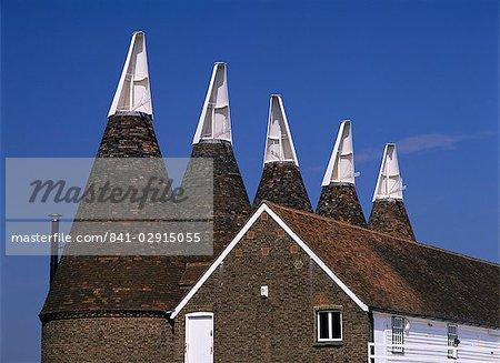Maisons OAST, Whitbread Hop Farm, Beltring, Kent, Angleterre, Royaume-Uni, Europe