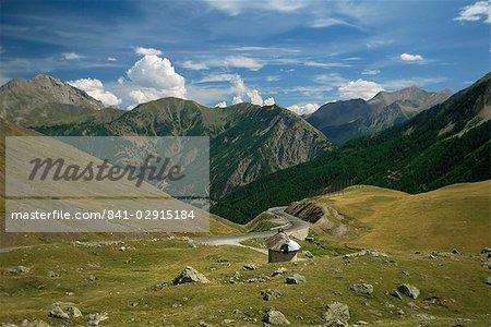 Vue depuis le Col de Vars, près de Barcelonnette, Hautes-Alpes, Alpes, Provence, France, Europe