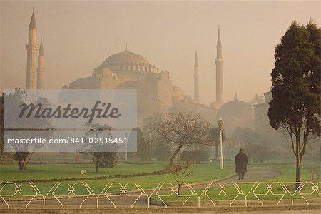 Aghia Sophia Basilique au crépuscule, patrimoine mondial UNESCO, Istanbul, Turquie, Europe