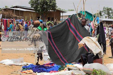 Weekly market, Key Afir, Lower Omo Valley, Ethiopia, Africa