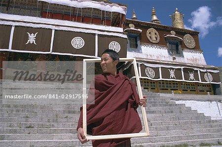 Moine bouddhiste tibétain, monastère de Drepung, Lhassa, Tibet, Chine, Asie