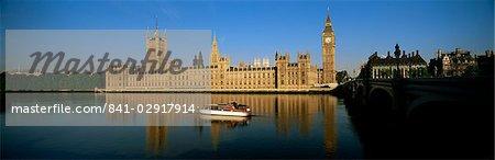 Häuser von Parlament und Big Ben spiegelt sich in der Themse, Westminster, London, England, Vereinigtes Königreich, Europa