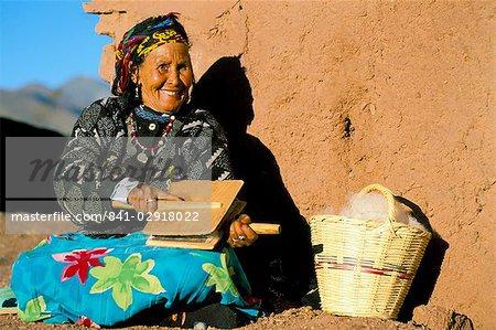 Femme Berbère Laine En La Carder Telouet Traditionnel Costume FxfxHqZ