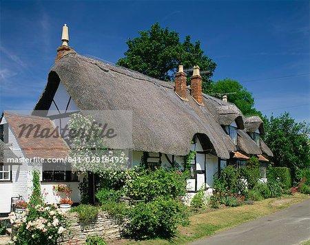 Chaumière à Welford sur Avon dans le Warwickshire, Angleterre, Royaume-Uni, Europe