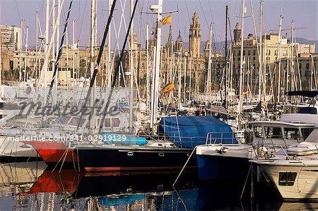 Port Vell (vieux port) et la vieille ville derrière, Barcelone, Catalogne, Espagne, Europe