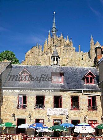 Le village, Mont St. Michel, patrimoine mondial de l'UNESCO, Manche, France, Europe