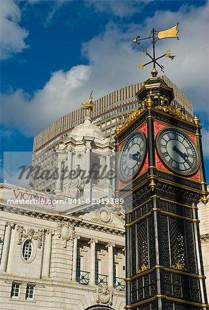 Wenig Ben Uhrturm, Victoria Palace Theatre, Victoria, London, England, Vereinigtes Königreich, Europa